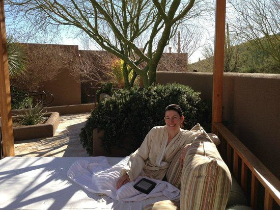 The Ritz-Carlton, Dove Mountain:                                     Spa Cabana beds