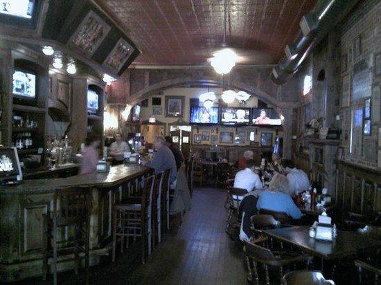 Mulligan's:                   Interior