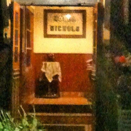 Hotel Nichols: Entrance