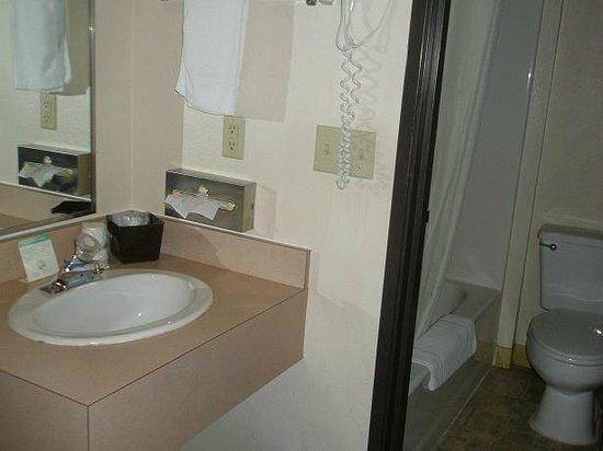 Super 8 St. Regis:                   Sink, bathroom