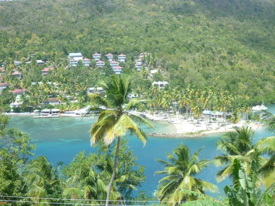 Marigot Palms Luxury Caribbean Guesthouse and Apartments:                   Across to Beach and Doolittle's