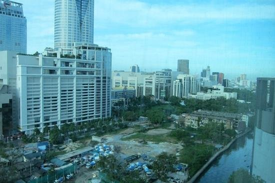 Novotel Bangkok Platinum Pratunam:                   view from the hotel room