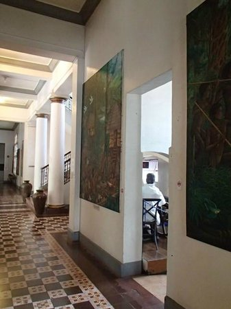 Negros Museum:                   inside the museum
