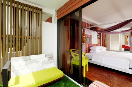 Patong Beach Hotel: Deluxe Room