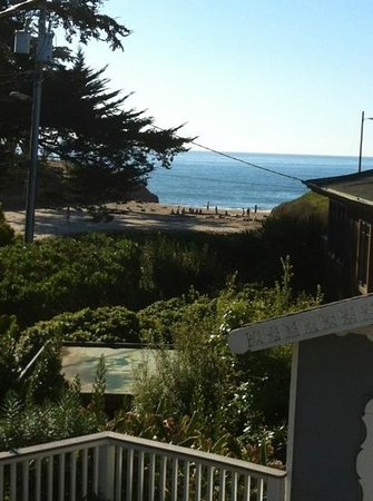 Ocean Echo Inn & Beach Cottages:                   the view of sunny cove from the deck