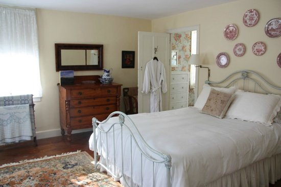 Staveleigh House Bed and Breakfast Image