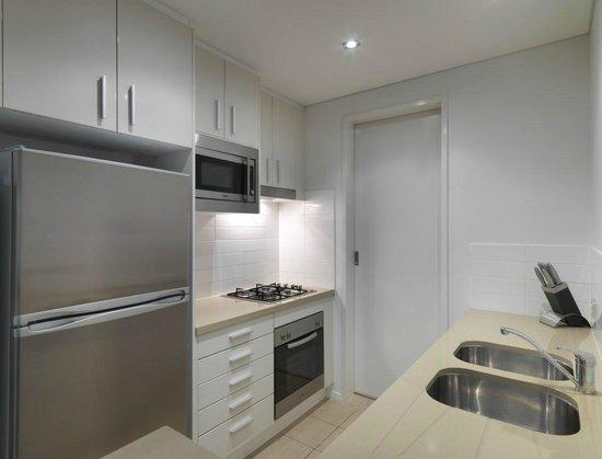 Meriton Serviced Apartments - Broadbeach: 1 Bedroom Ocean View Apartment