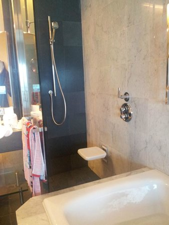 Hilton Kuala Lumpur:                   shower with fold-able chair