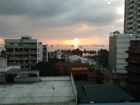 Red Planet Mabini:                   sunset view from room 816