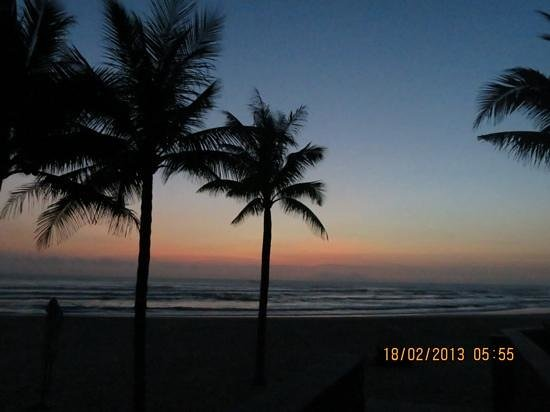 Hyatt Regency Danang Resort & Spa:                   the beach at 5:55 am