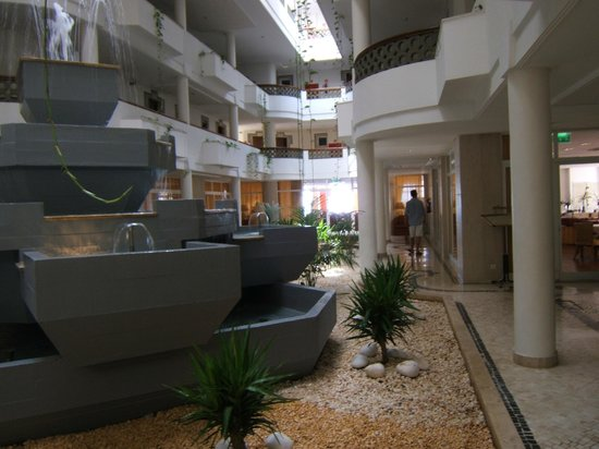 Hotel Oriental:                   Lobby