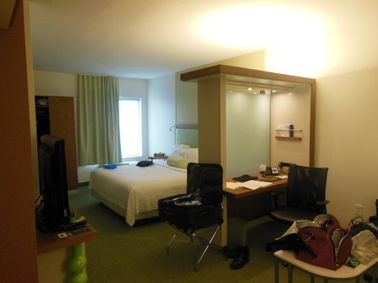 SpringHill Suites Houston Intercontinental Airport:                   Room Picture