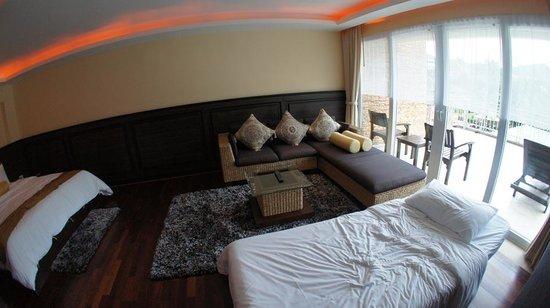 R Mar Resort and Spa:                   room