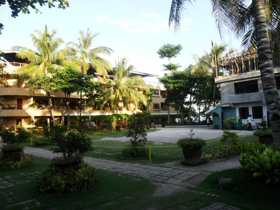 Dumaluan Beach Resort 2:                   vicinity