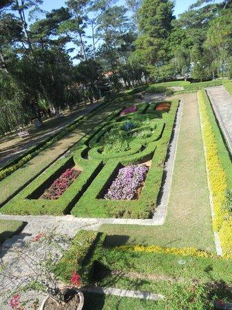 Bao Dai's Palace :                   Bao Dai Gardens