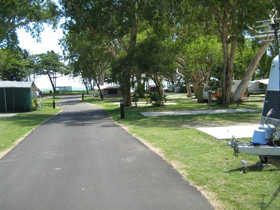 Mackay Blacks Beach Holiday Park: Caravan Sites