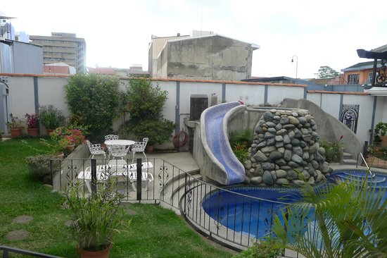 Hotel Santo Tomas:                   pool area