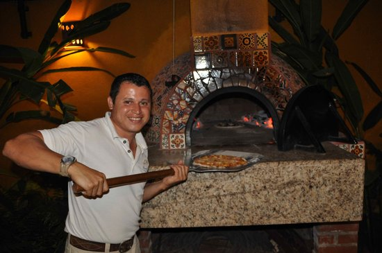 Hacienda Patrizia's Mexico B&B:                   Polo the master of many skills