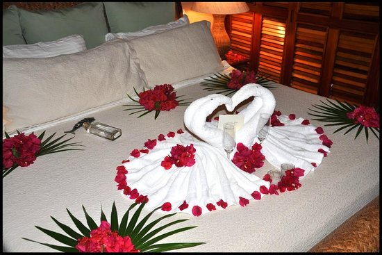 Coco Beach Resort:                   Bed decorations