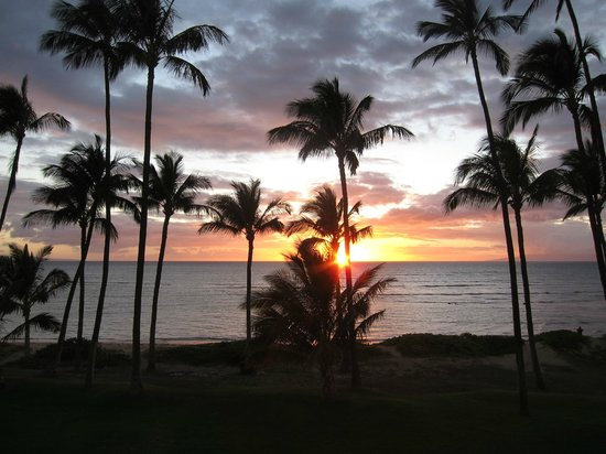 Hale Kai O'kihei:                   Sunset view from the balcony!