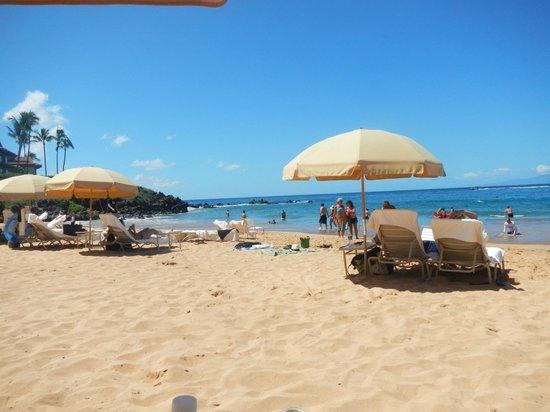 Four Seasons Resort Maui at Wailea :                   Beach area at Four Seasons
