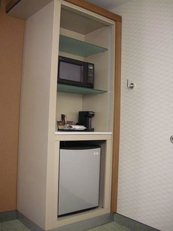 SpringHill Suites Philadelphia Valley Forge/King of Prussia:                   Mini 'fridge and microwave