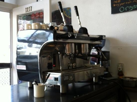 Yo El Rey Roasting : Organic coffee, manual group heads! The best!