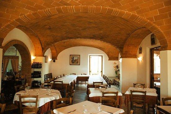 Pizzeria-Trattoria Napoli del'Albergo la Foresteria Görüntüsü