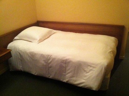 Park Hotel Grenoble - MGallery Collection :                   J'ai réservé un lit double mais comme j'étais seul, ce sera un lit simple