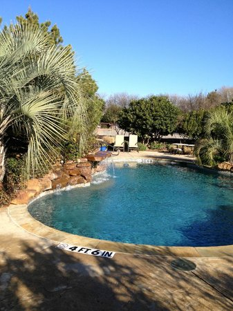 Inn on Lake Granbury:                   The Beautiful pool area