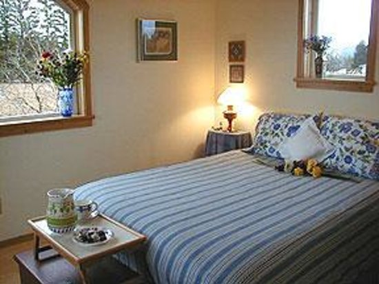 Blue Heron Bed and Breakfast, Cabins and Guesthouse at Glacier Bay Gustavus Photo