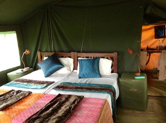 Ronjo Tented Camp:                   inside tent at Ronjo