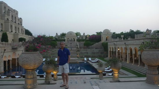 The Oberoi Amarvilas:                   2