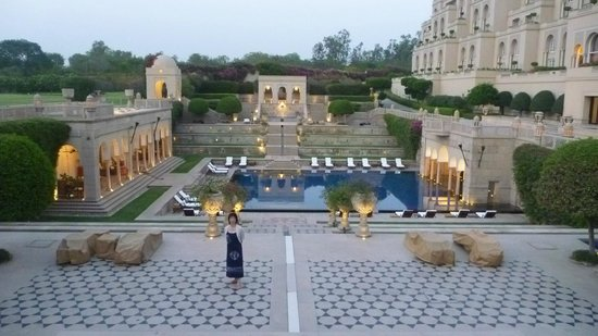 The Oberoi Amarvilas:                   10