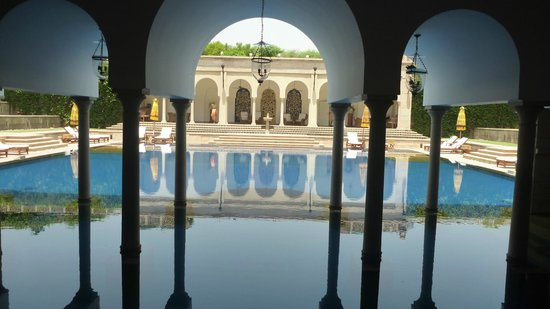 The Oberoi Amarvilas:                   1