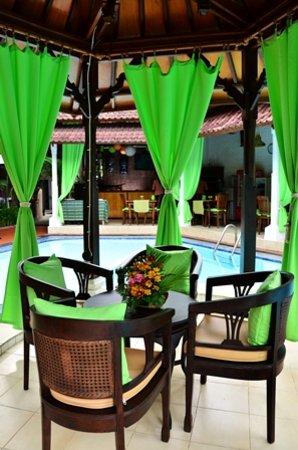 Sarinande Hotel: Sunken Bar