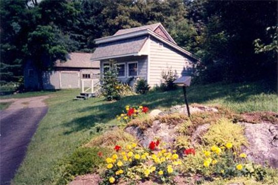 Photo of Hilltop Cottage Bed and Breakfast Bolton Landing