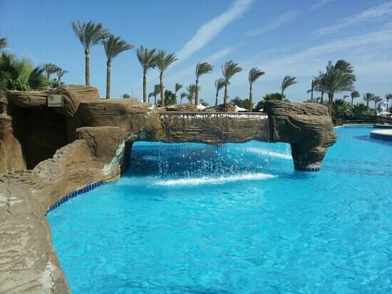 Steigenberger Al Dau Beach Hotel:                                     Wasserfall