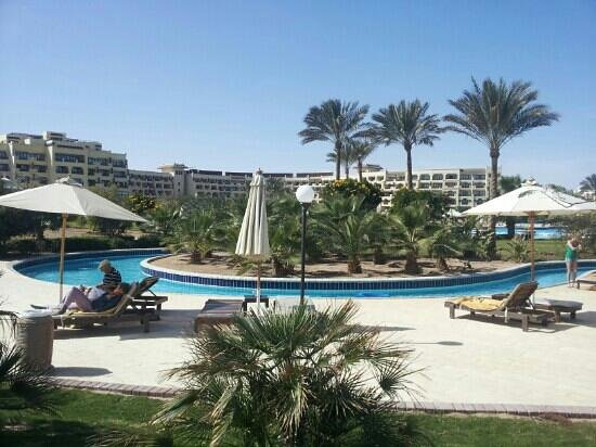 Steigenberger Al Dau Beach Hotel:                                     lazy river - genial