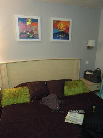D'Enghien Hotel :                   Room