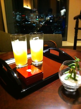 The St. Regis Osaka:                   ウェルカムドリンク