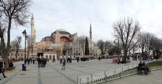Stadtviertel Sultanahmet:                   Aya Sofia
