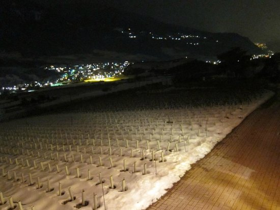 Colline de Daval:                   Night view from the ground