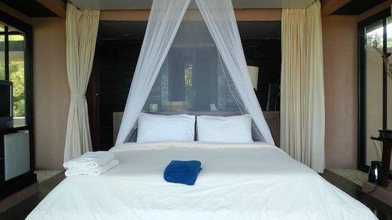 Koh Mak Resort:                   Interior of Superior Beachfront Bungalow