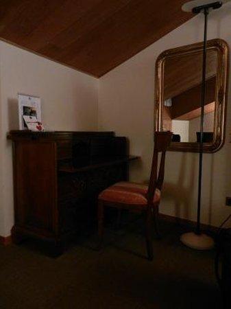 Best Western Hotel Canon D'Oro:                   angolo scrivania