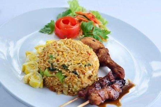 Sarinande Hotel: Food 1