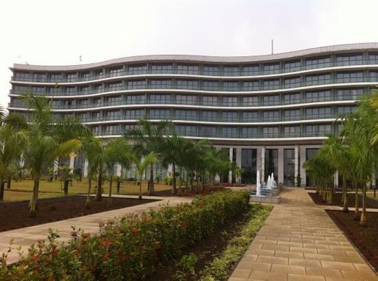 Sofitel Malabo Sipopo Le Golf:                   modern architecture