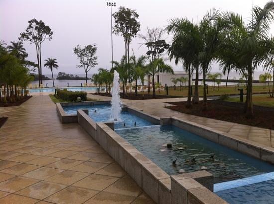 Sofitel Malabo Sipopo Le Golf:                   garden fountain