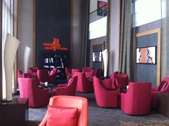 Sofitel Malabo Sipopo Le Golf:                   bar area