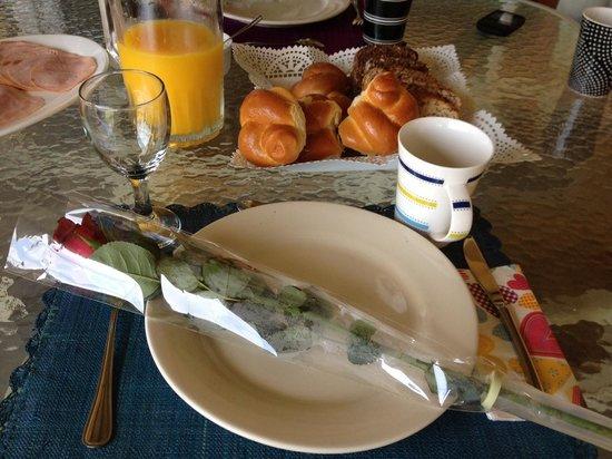 Cap Ou Pas Cap Guesthouse:                                     Valantine breakfast